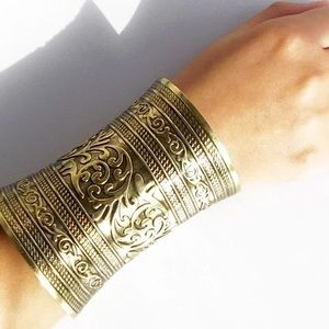 Bohemian antique gold cuff✨